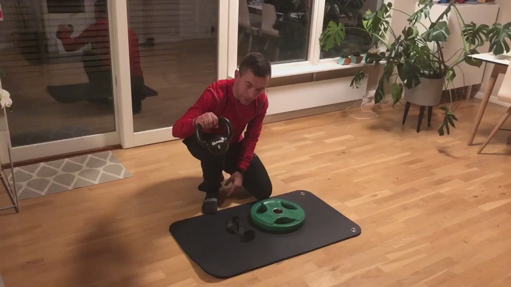 Trening med kettlebell mm.mp4